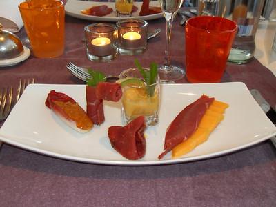 """""""Cavaillon meloen op zijn best"""": chutney, smoothie en salade met op zwarte peper gerookte eendenmagret (Markt-menu 2009-08-14)"""