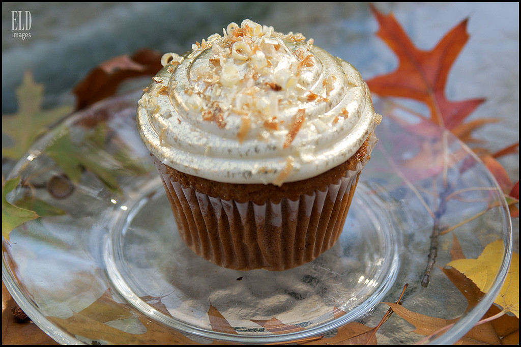 24-Karat Carrot Cake<br />  Cake: Carrot (made with walnuts)<br />  Filling: Vanilla whipped cream<br />  Topping: Vanilla cream cheese frosting, toasted coconut, white chocolate shavings, and 24-karat gold dust