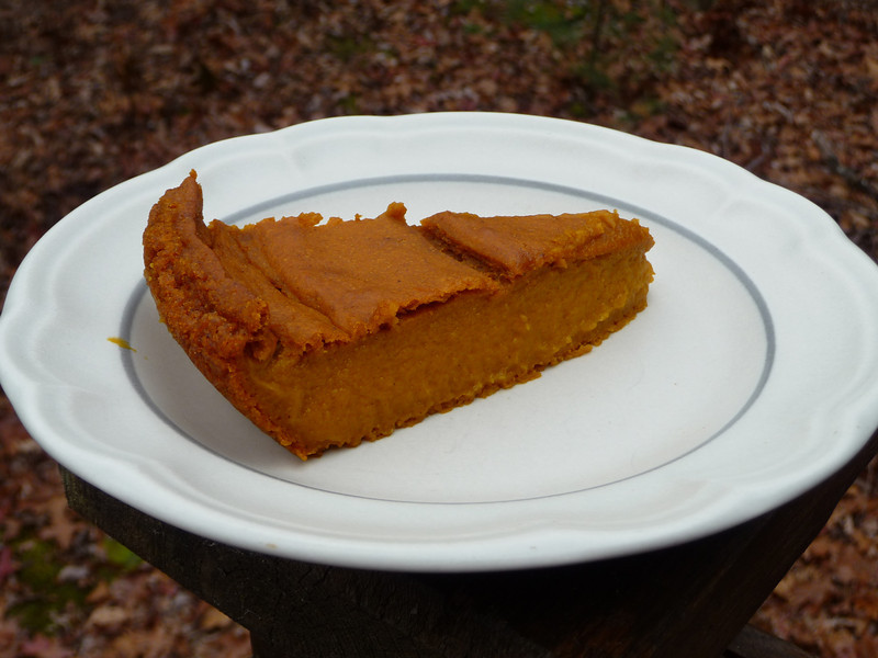 "<h1>Impossible Pumpkin Pie</h1> Remember the ""Impossible"" pie recipes from Bisquick where the pie crust made itself while it baked?  Well, here is a great, super easy recipe for an ""impossible"" pumpkin pie made from scratch.  Almost fat free -- there is no added fat in the recipe.  Just 1 gram of fat per one slice serving.  <b><u><a href=""http://blog.fatfreevegan.com/2006/10/and-answer-is.html"">Recipe</a></u></b> courtesy of Susan Voisin on the Fat Free Vegan Blog."