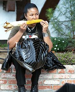 Corn eating-7 1