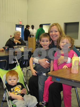 Colleen Lundgren and her grandchildren from Southerland, IA.