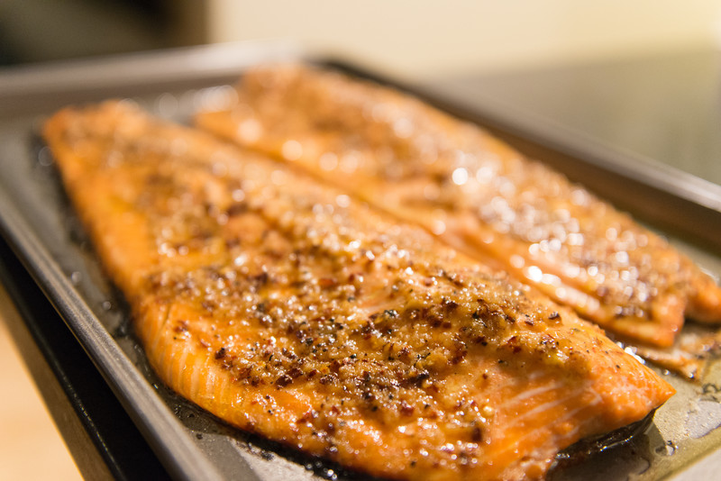 Garlic red pepper salmon