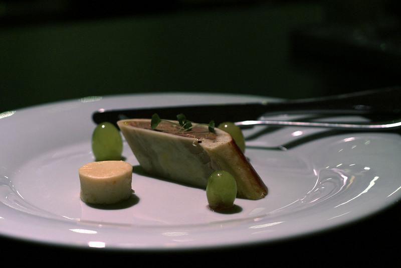fois gras en croûte met pannacotta van Grand Marnier en mousserende druiven