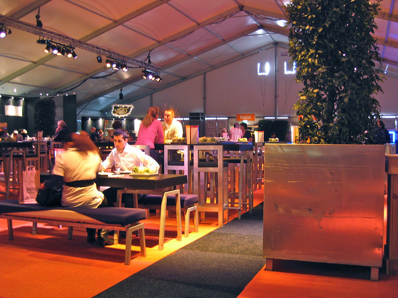 Food tent, comfy, trendy and very well heated