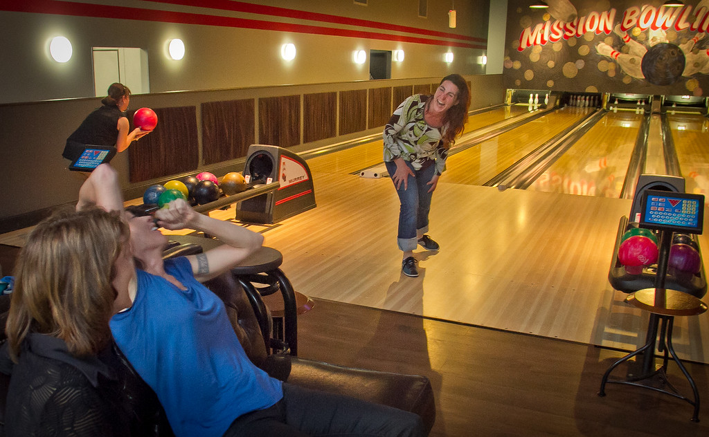 Lisa Zahner reacts to her shot at the Mission Bowling Club in San Francisco, Calif., on Friday, May 11th, 2012.