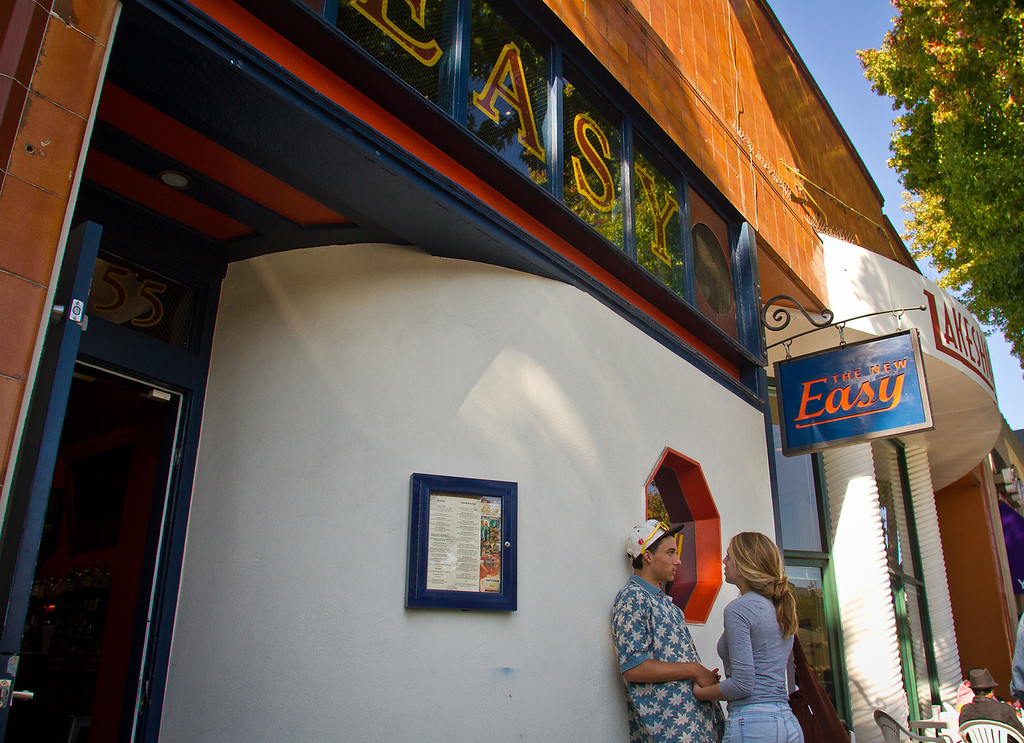 The exterior of the New Easy bar in Oakland is seen on Saturday, September 29th, 2012.