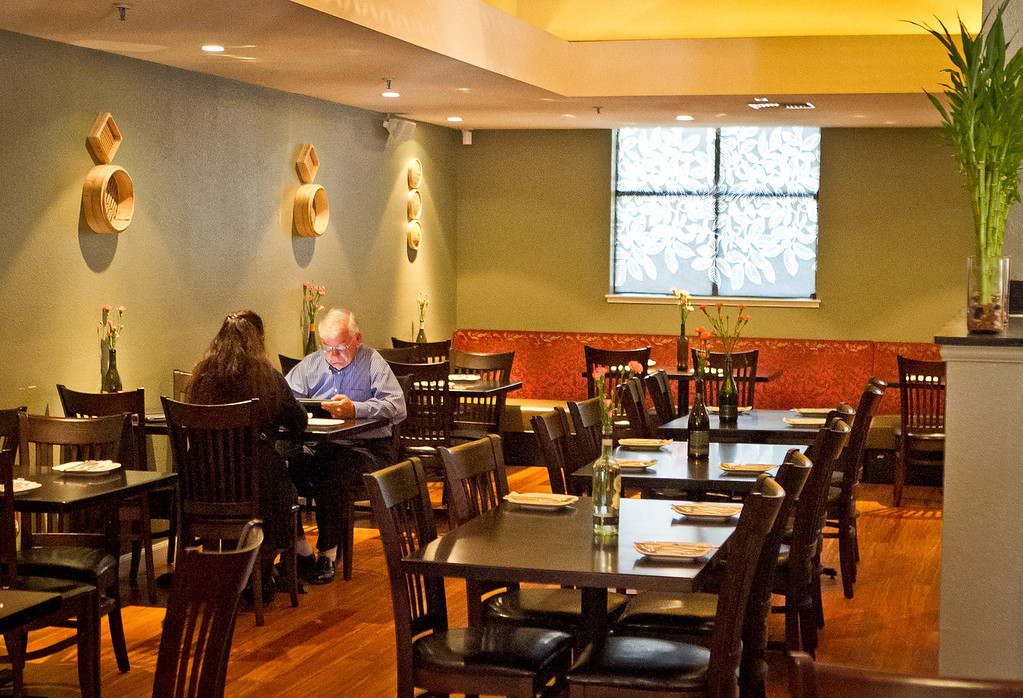 Diners enjoy lunch at Yiping restaurant in San Ramon on Wednesday, September 12th, 2012.