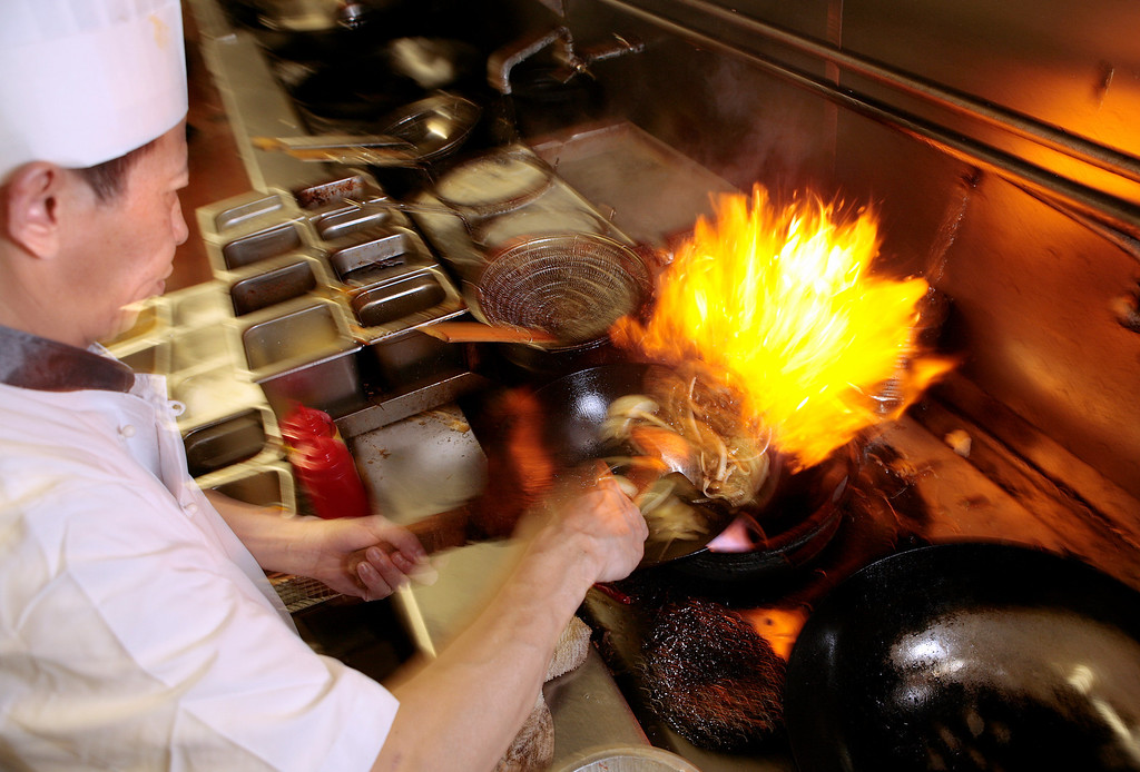 Chef Yuan Fa Zhag cooking at the Happy Golden Bowl restaurant in El Cerrito on Saturday,  August 28, 2010.