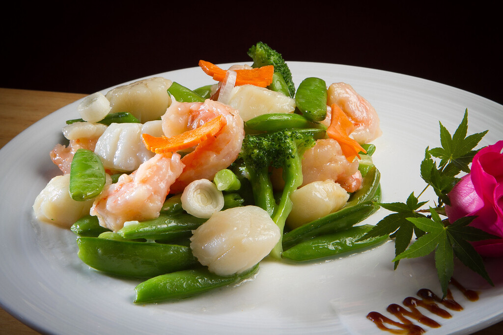 The Shrimp and Scallops with Snow Peas at Lin Jia Restaurant in Oakland, Calif., is seen on Friday,  September 30th, 2011.