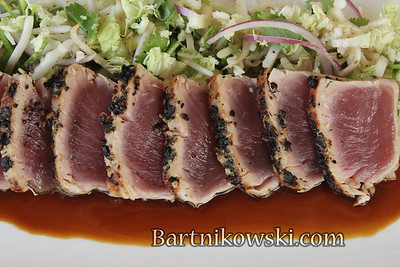Hawaii, Ahi Tuna at Merrimans Restaurant