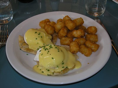 Eggs Benedict with Tater Tots!