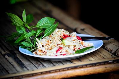 Green mango salad (Som Tam Mamuang)