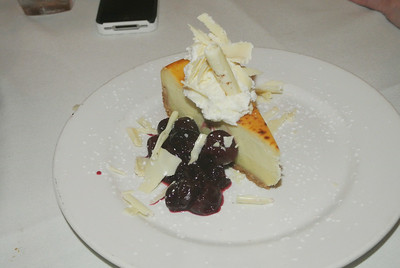 Cheesecake with cherries