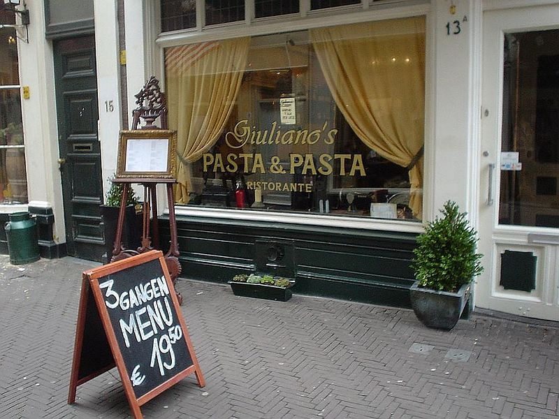 "<a href=""http://www.iens.nl/restaurantsVan/DenHaag/restaurant.htms?r=3117"">Giuliano's Pasta & Pasta</a> in the Schoolstraat 13a, Den Haag, right near the Grote Markt."