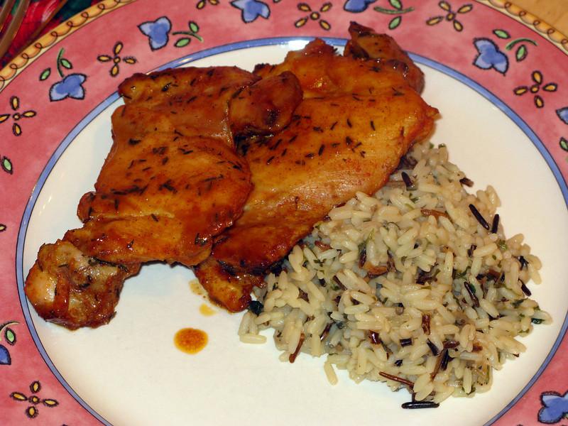 "Maple Thyme Chicken Legs<br />  <a href=""http://www.evilshenanigans.com/2009/11/maple-thyme-chicken-legs/"">http://www.evilshenanigans.com/2009/11/maple-thyme-chicken-legs/</a>"