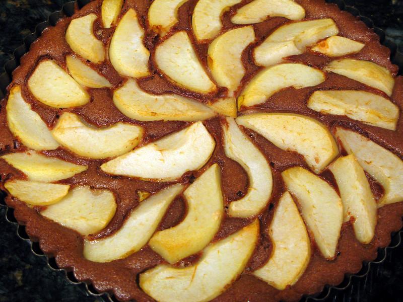 "Chocolate Pear Tart<br /> <br />  <a href=""http://dandysugar.com/?p=1139"">http://dandysugar.com/?p=1139</a>"