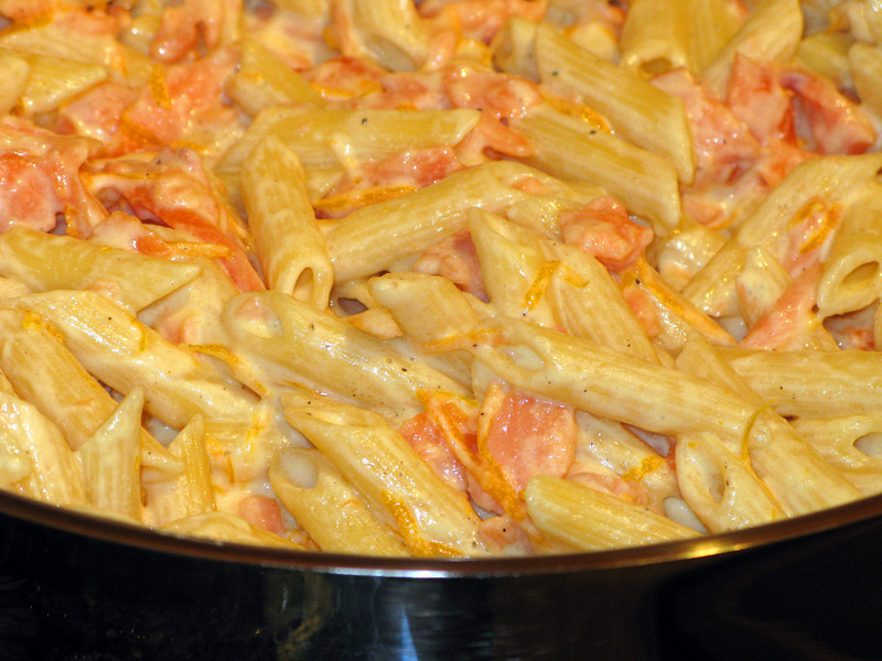 """Penne with oranges and smoked salmon - recipe from La Cucina Italiana, Dec 2009 edition<br />  <a href=""""http://lacucinaitalianamagazine.com/recipe/trenne-with-salmon-and-orange"""">http://lacucinaitalianamagazine.com/recipe/trenne-with-salmon-and-orange</a>"""
