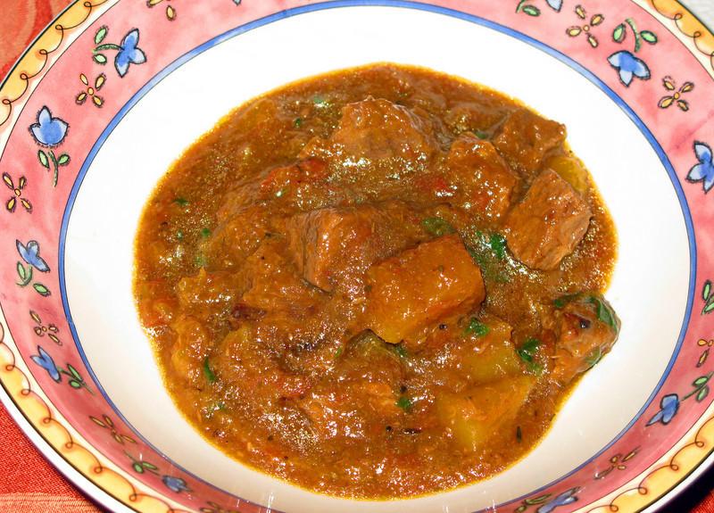 "Beef and Butternut Squash Stew<br /> <br />  <a href=""http://www.foodnetwork.com/recipes/giada-de-laurentiis/beef-and-butternut-squash-stew-recipe/index.html"">http://www.foodnetwork.com/recipes/giada-de-laurentiis/beef-and-butternut-squash-stew-recipe/index.html</a>"