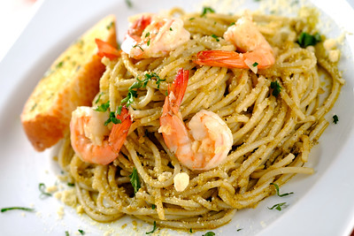 pasta-shrimp-pesto