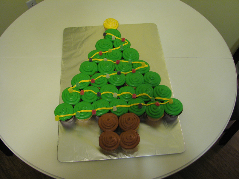 Cupcake Christams Tree Cake
