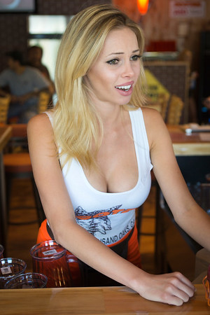 Hooters TO Soft Opening-8