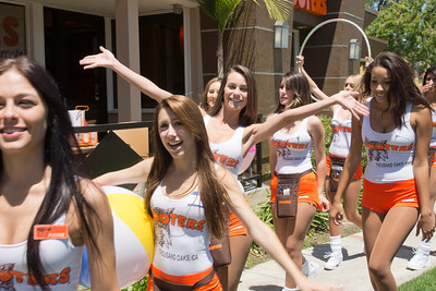 Hooters TO Soft Opening-22