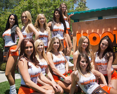 Hooters TO Soft Opening-17