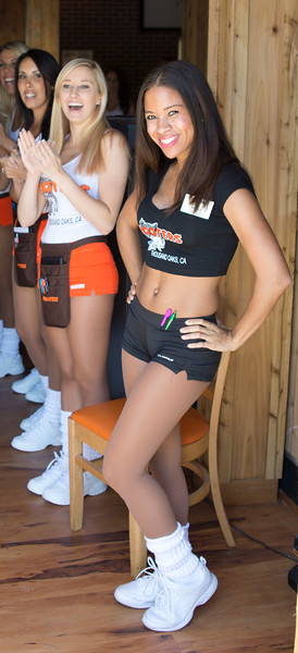 Hooters Thousand Oaks Soft Opening