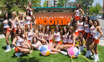 Hooters TO Soft Opening-13
