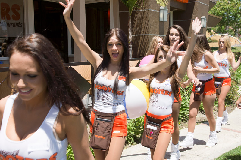 Hooters TO Soft Opening-21