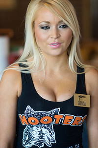 Hooters TO Soft Opening-39