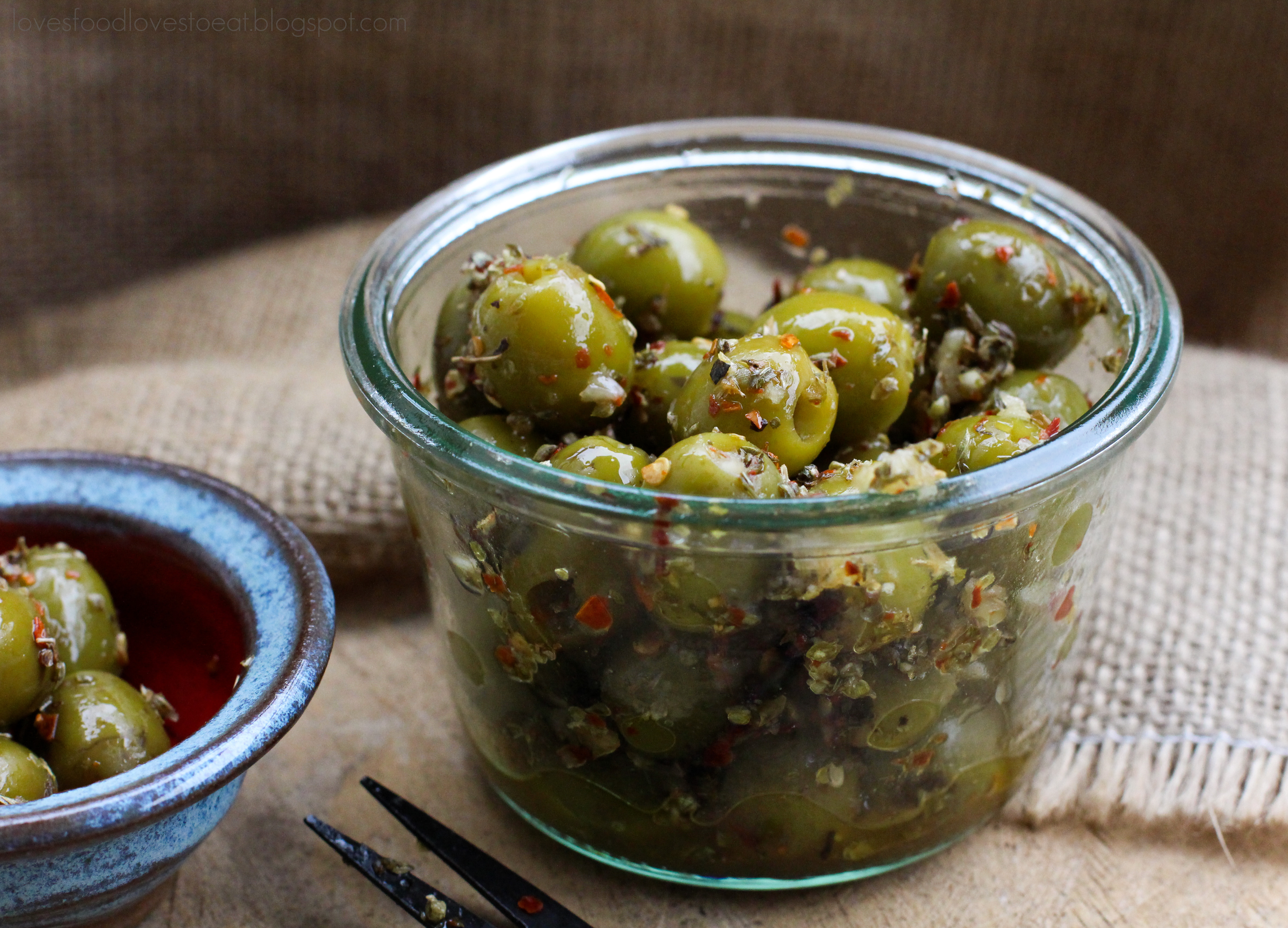 Papa's marinated olives // Loves Food Loves to Eat