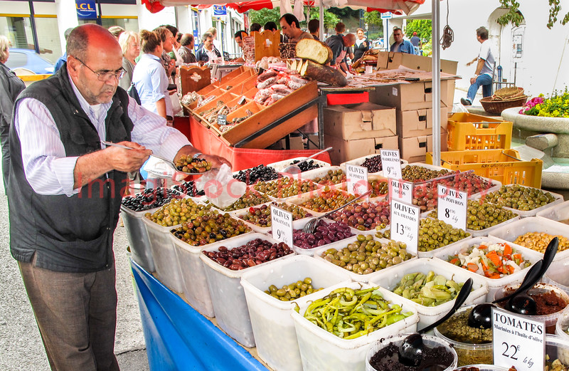 090920 - 0348 Outdoor Market - Divonne, France