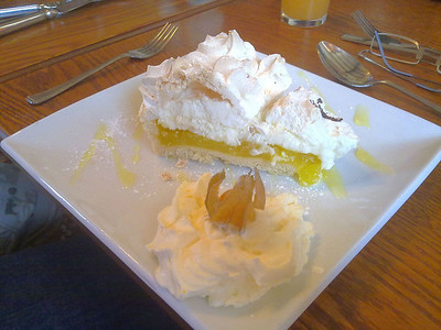 "Lemon Meringue - Served in ""Three Horseshoes"" near Pontrilas 08/07/11  (Photo By A Wright)"