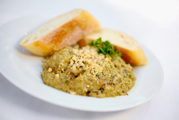 2011-10-17_Montys_Food_011