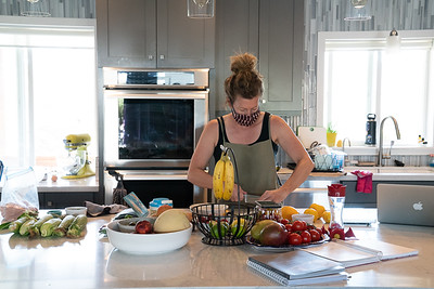 MMCooks in kitchen-02111