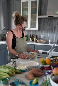 MMCooks in kitchen-02155