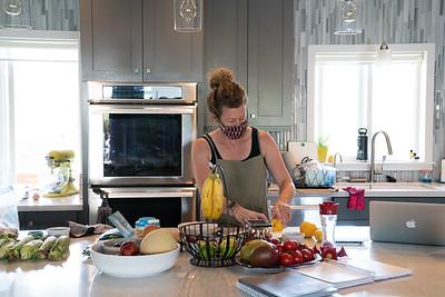 MMCooks in kitchen-02110