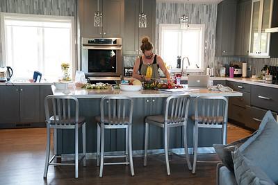 MMCooks in kitchen-02109