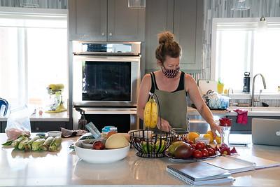 MMCooks in kitchen-02112