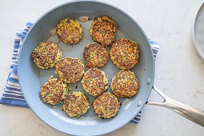 MMCooks quinoa cakes-02555