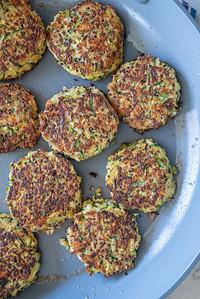 MMCooks quinoa cakes-02556
