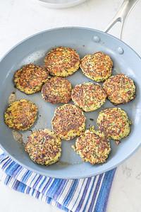 MMCooks quinoa cakes-02551