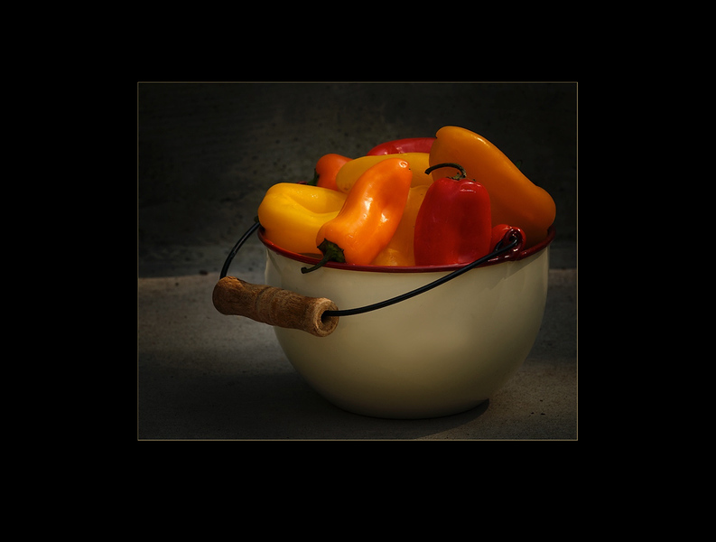Peppers, enamal dishes, red, orange, food