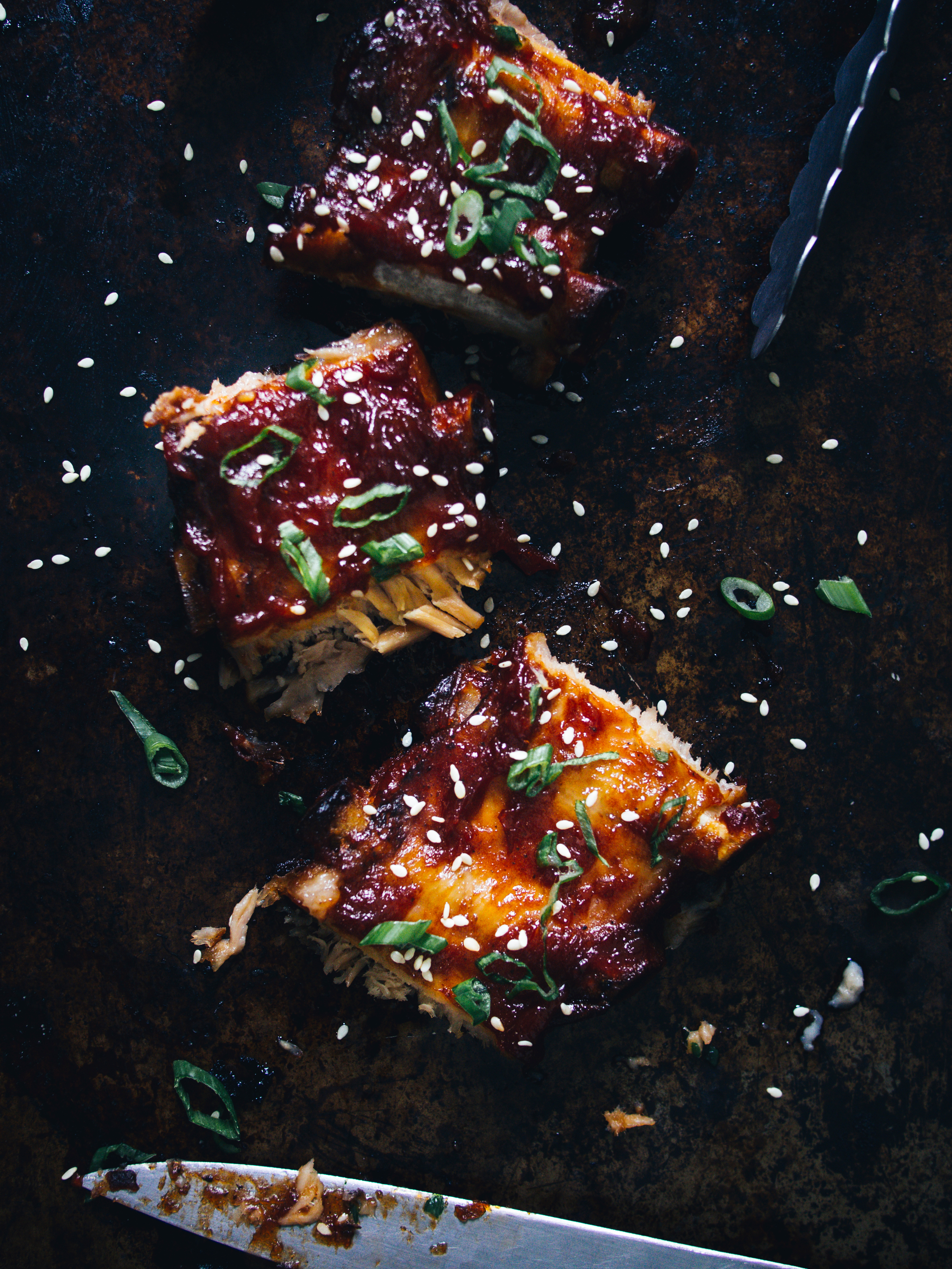 Gochujang ribs are just one of 12 easy recipes you can make with this spicy Korean hot sauce. Discover the other 11.