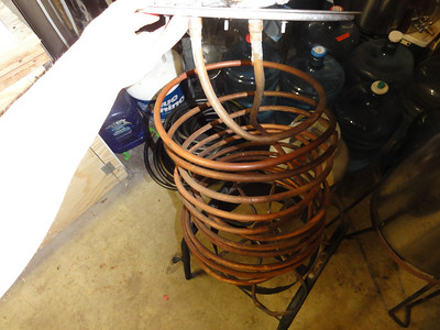Here is the cooling coils that I made up to cool the mead before transfering to the fermenter. I place the coils into the mead during the boiling process. Once the boiling process is complete I hook up water lines to the coils and run cold water through them to cool the mead.