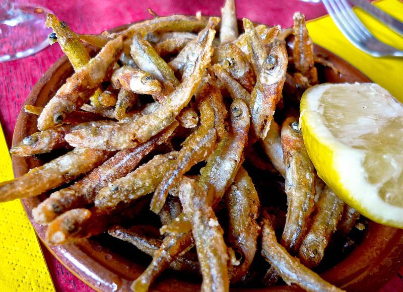 Fritures d'éperlans (fried smelts)