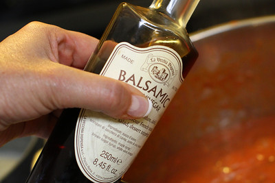 2 TABLESPOONS OF BALSAMIC VINEGAR IS ADDED TO THE SAUCE DURING THE FINAL COOKING