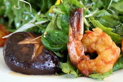 Ensalada de gambas y shitake (Salad with shitake mushrroms and prawns) Tahini - Puerto de Portals Nous / Mallorca