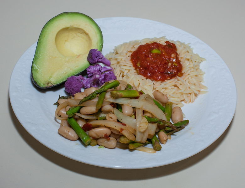 00aFavorite 20130216 Chipotle Cannellini Bean w Asparagus, Orzo w Marinara, Avocado, Purple Cauliflower (No Added Fat) (2156)
